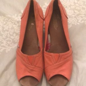 Toms wedge women's shoes size 7M